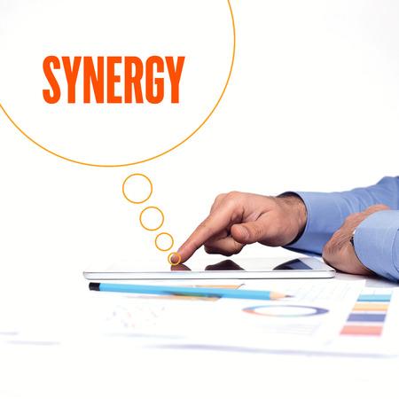 sinergia: CONCEPTO DE NEGOCIOS DE TRABAJO DE OFICINA SYNERGY TECNOLOGÍA DE LA COMUNICACIÓN