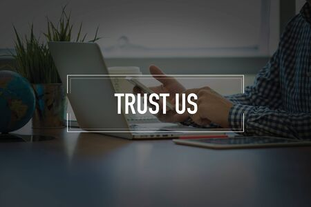 trust people: PEOPLE USING SMARTPHONE COMMUNICATION TECHNOLOGY  TRUST US OFFICE CONCEPT
