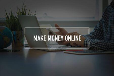 money online: PEOPLE USING SMARTPHONE COMMUNICATION TECHNOLOGY  MAKE MONEY ONLINE OFFICE CONCEPT