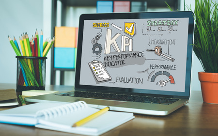 KPI Concept op de Tablet PC-scherm Stockfoto - 61239735
