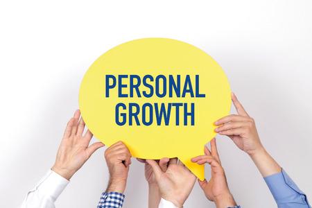 superacion personal: Grupo de personas que tienen el crecimiento escrita burbuja de di�logo PERSONAL