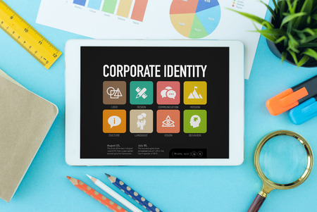 Corporate Identity Concept op Tablet PC-scherm Stockfoto
