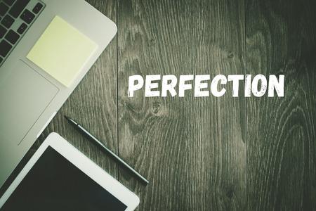 NEGOCIO DE TRABAJO CONCEPTO DE LA TECNOLOGÍA DE OFICINA PERFECCIÓN