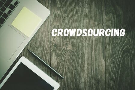 crowd source: BUSINESS WORKPLACE TECHNOLOGY OFFICE CROWDSOURCING CONCEPT