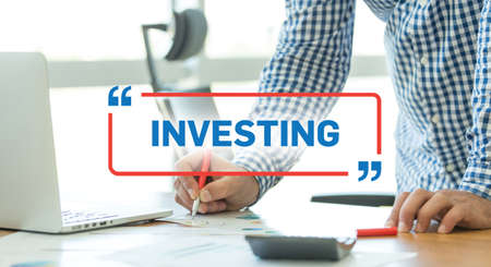 BUSINESS WORKING OFFICE BUSINESSMAN INVESTING CONCEPT
