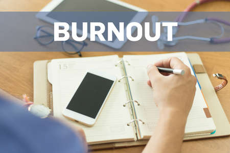 doctor burnout: MEDICAL DOCTOR WORKING OFFICE AND BURNOUT CONCEPT