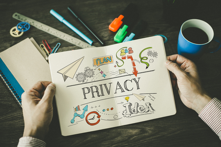 PRIVACY-schets op laptop