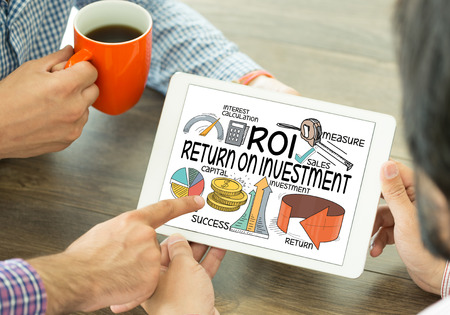 roi: BUSINESS FINANCE SUCCESS COMMUNICATION AND ROI CONCEPT Stock Photo