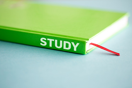 investigando: EDUCATION STUDY LEARNING UNIVERSITY TRAINING SCHOOL TEACHING CONCEPT Foto de archivo
