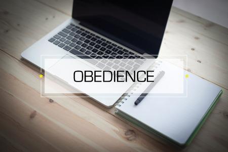 obedience: CONCEPTO DE OBEDIENCIA Foto de archivo