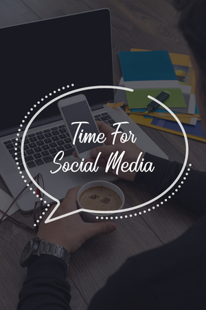 BUSINESS COMMUNICATION WORKING TECHNOLOGY TIME FOR SOCIAL MEDIA CONCEPT