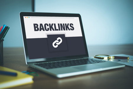 backlinks: Backlinks Icon Concept on Laptop Screen