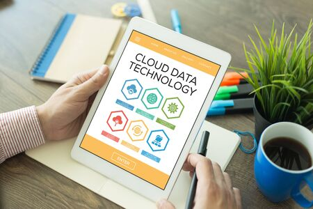syncing: Cloud Data Technology Cloud Management Connection Process Global Networking Cloud Search Word With Icons
