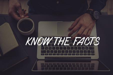 KNOW THE FACTS CONCEPT Banco de Imagens