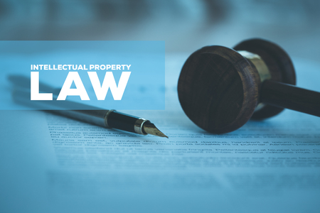 INTELLECTUAL PROPERTY LAW CONCEPT Stok Fotoğraf - 79872597