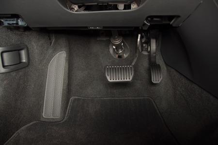 オートマチック トランス ミッション車のブレーキとアクセルのペダル 写真素材