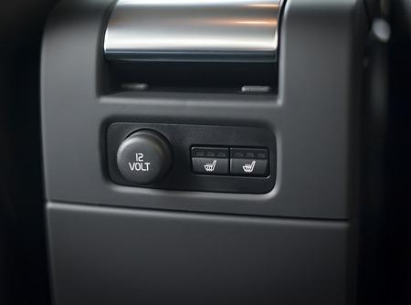 자동차의 12V 전원 콘센트