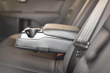 Moderna Interno di automobile. Pelle nera. Brand New Car Interior. Archivio Fotografico - 57201430
