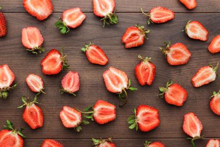 fresh strawberries on the brown wooden table Zdjęcie Seryjne