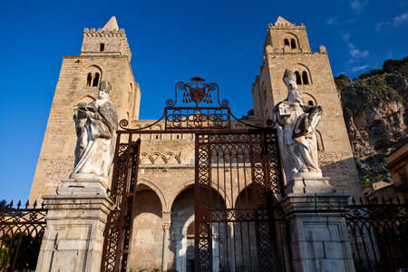 The Cathedral-Basilica of Cefalu  Stock Photo - 18811633