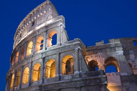 Italien Ältere Amphitheater - Kolosseum in Rom Standard-Bild - 3679940