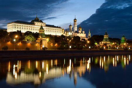 Rusia el Kremlin de Moscú en la mañana Foto de archivo