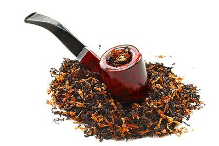 Tabac et tuyaux sur un fond blanc Banque d'images
