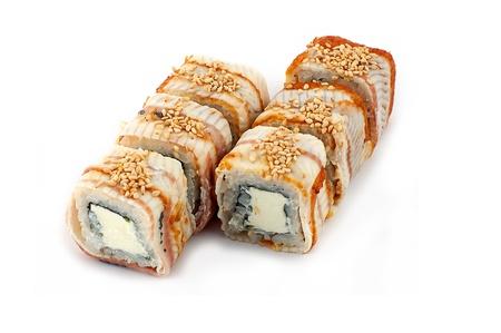 Sushi sur un fond blanc
