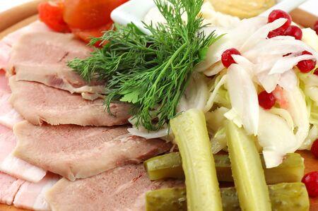 Viande, jambon et gras avec des l�gumes sur support bois � proximit� Banque d'images