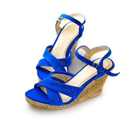 sandalias: Zapatos de mujer aislados en blanco