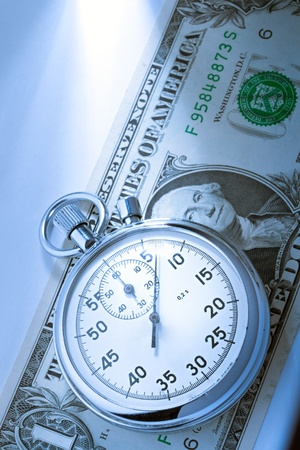 tempo: Stopwatch and dollar