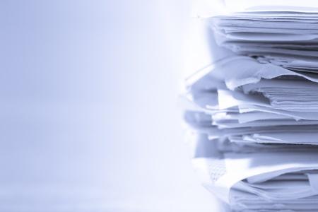 oficina desordenada: Pila de documentos