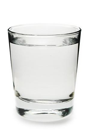 glas: Glas Wasser auf wei�em Hintergrund Lizenzfreie Bilder
