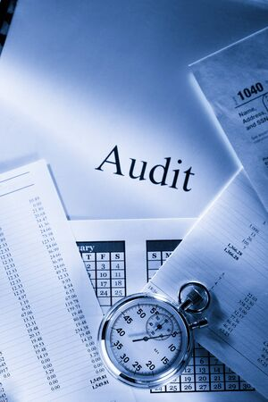 monthly salary: Operating budget, calendar, stopwatch and audit