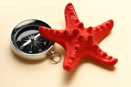 azimuth: Compass and red sea star