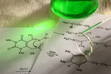 quimica organica: Qu�mica verde con f�rmula de reacci�n Foto de archivo