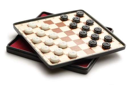 draughts: Travelling draughts on playing field