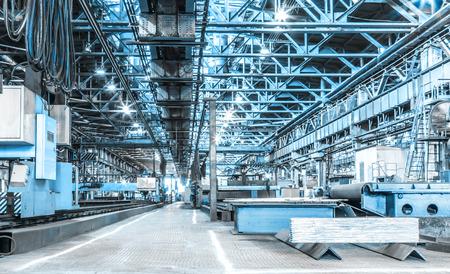 siderurgia: Taller de m�quinas de las f�bricas metal�rgicas en interiores habitaci�n Foto de archivo