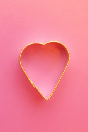 decoracion de pasteles: Cooking cutter for cake decorating in heart forms