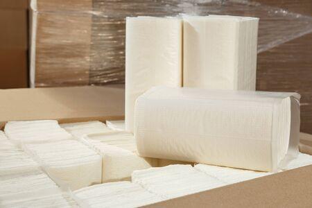 Papierservietten und Handtücher in der Nahaufnahme als Hintergrund