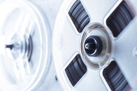 grabadora: grabadora de carrete de cinta de edad en primer tonificación