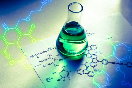 光に反応式化学物質管