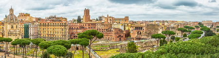 Scenic shot of Rome with Colosseum and Roman Forum, Italy. Stok Fotoğraf - 120508677