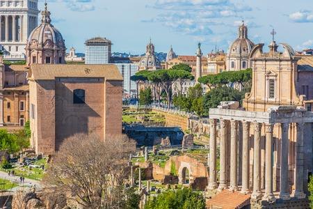 Roman Forum in sunny day, Rome, Italy Stok Fotoğraf - 120508691