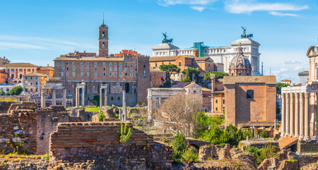 Roman Forum in sunny day, Rome, Italy Stok Fotoğraf - 120508693