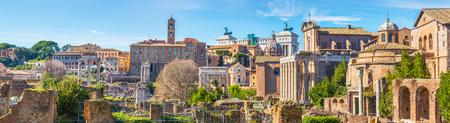 Forum Romanum am sonnigen Tag, Rom, Italien Standard-Bild