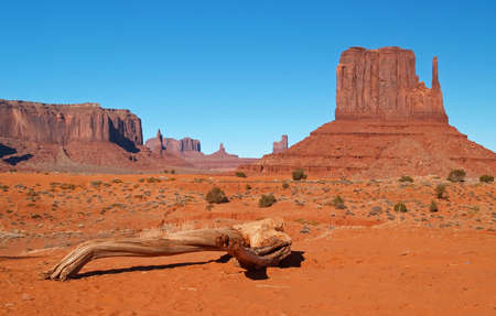 Monument Valley Navajo Tribal Park in Utah Stock Photo - 882199