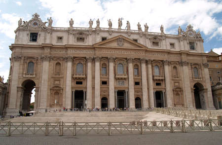 st  peter's square: The St. Peters Square in Vatican City, Rome
