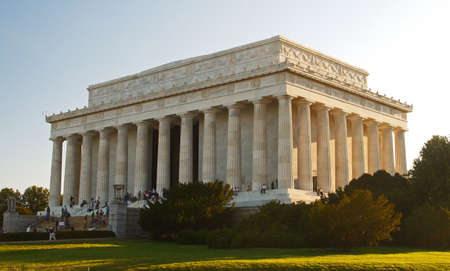 govern: The Lincoln Memorial in Washington DC