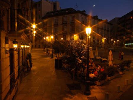 a side-walk cafe at nght